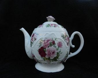 Cookie Jar: Porcelain Hand Decorated