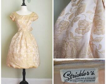 1950's Pale Gold Rose Brocade Dress// Circle Skirt// Strickler's// Full Skirt