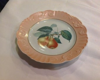 Striking Mottahedeh Pear Plate