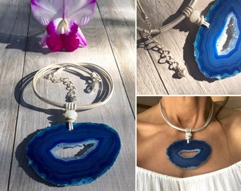 Blue agate stone choker. Sterling silver and leather.