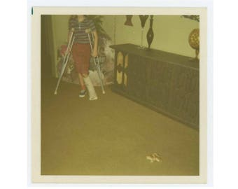 Vintage Snapshot Photo: Girl on Crutches and Frog, c1960s-70s (75579)