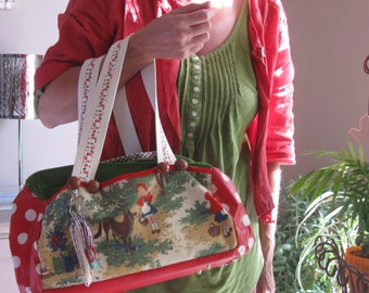 "Vintage Bag ""Mon Petit Chaperon Rouge"" by Bergamote & Jasmin"