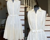 Eyelet Short Wedding Dress - Ivory Wedding Dress - Cotton Bridal Dress with Ribbon - Size 8