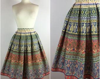 """Gabi-Modell Skirt - Vintage 1950s Skirt - 50s Cotton Circle Skirt - Swing Skirt - Ethnic Novelty Print - UK 8-10 Small W27""""-"""