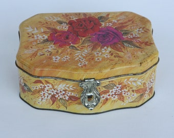 Italian biscuit tin with floral design