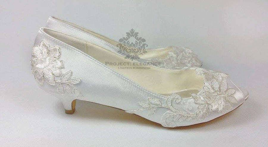 Ivory Vintage Lace Peep Toe Low Heel Shoes 1 Inch Mid Kitten Heel Very Low  Lace Wedding Shoes, Low Heel Wedding Shoes Silver Trim