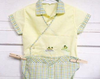 Vintage baby boy spring/summer 2 piece top and bloomers- pastel plaid and frogs / vintage baby boy clothing -easter outfit size 6/9M