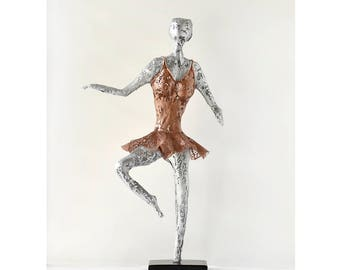 Metal sculpture, Ballet dancer Sculpture, Metal Wire Mesh, Handmade metal art, living room art, housewarming gift