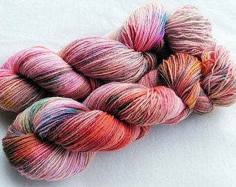 Handpainted Sock Yarn, 75 Wool  superwash, 25 Nylon 100g 3.5 oz.  Nr. 539