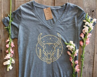 COUNTRY BULL Womens V-Neck