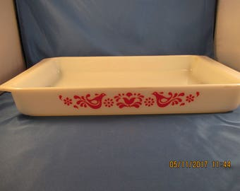 Pyrex FRIENDSHIP Lasagna oblong Baking Pan Dish #933 Red Birds EXC condition