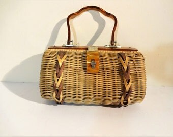 Vintage Wicker Box Purse with Caramel Lucite Handle and Braid Detail -  1960's Straw or Wicker Summer Handbag - Collectible Summer Purse
