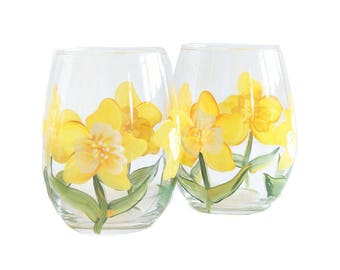 Yellow and White Flowers Daffodil Stemless Wine Glasses - Set of 2- Hand Painted wine glasses-  Mothers Day Gifts- Daffodil glasses