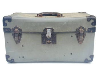 Vintage Train Case Luggage Carry on Industrial Vulcanized Fibre Photography Case Storage Travel Case Retro Worn In Suitcase Travel Case Grey