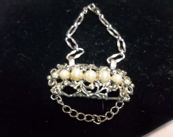 Vintage Upcycled Bracelet with Pearls on Silver Chain, 317S