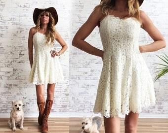 20% OFF FLASH SALE Vintage 1970's 1980's Lace Mini Dress || Baby Doll Boho Dress ||  Stevie Nicks Style || Size Xs to S || Size 2 to 4