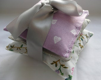 Lavender sachet bundle, Organic Lavender Bag, Vintage Floral Fabric, Lilac & Grey French Cotton, Scented Gift for Her, Hearts and flowers