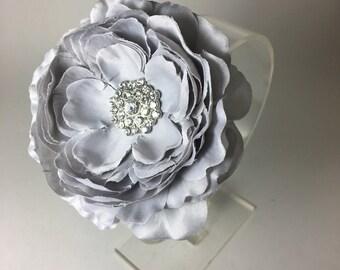 Gray flower hair clip, girls hair flower, gray flower hair clip, ranunculus style flower hair clip hair accessory.
