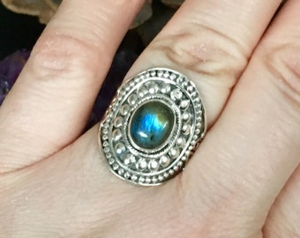 Stunning, flashy labradorite, 925 sterling silver, statement ring