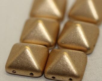 Pyramid Azte Gold 12x12mm: 1710