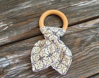 Natural Maple Wood/Ears/Teething/Teether/Ring/Toy/Chew ~ Triabl//Diamond//Geometric//Mint//Native//Aztec