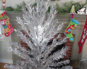 Sparkly Retro 5 Foot Aluminum Christmas Tree Tinsel...Stainless...Life-Time