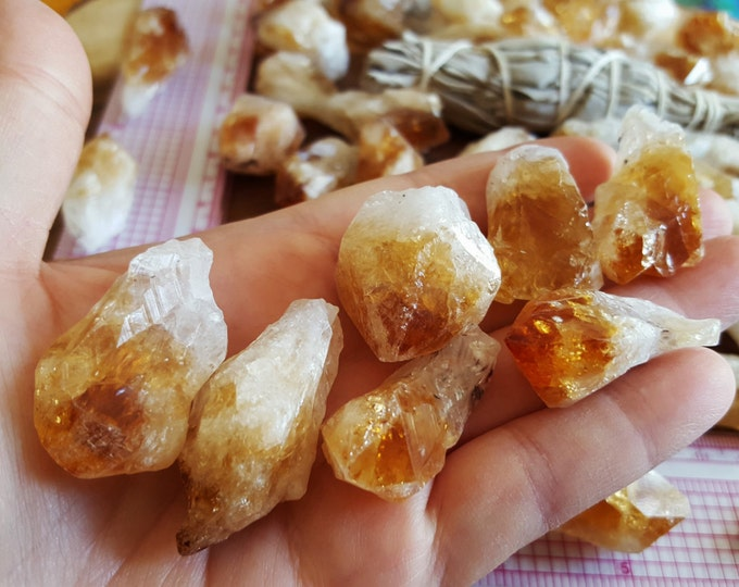 Medium Citrine Points ~ 1 Reiki infused citrine point approx 1.4-1.6 inches