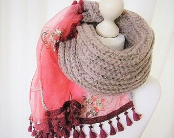 Knit scarf in Burgundy with tassels and trims of Sari fabric