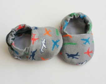 Baby Booties, Baby Gifts, Baby Crib Shoes, Baby Boy, Baby Shoes, Baby Booties, Baby Slippers, Grey Baby Slippers, Airplane Baby Slippers