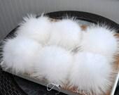 "8,5-9"" EXTRA LARGE WHITE Pom Poms! White Raccoon Pom Pom Giant Pom Pom for Chunky Hat Beanie Tuque Winter Knit Hats  Puff Fluffy Fur Ball"