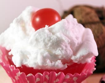 Bubble Gum soap cupcake, set of 10, glycerin soap, cupcake favors, cupcake soap, bakery soap, novelty soap, baby girl, baby shower soap,
