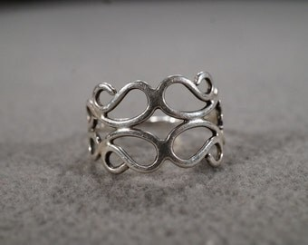 vintage sterling silver statement ring with large scrolling patterns, size 6  M2