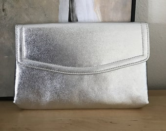 Harry Levine Silver Clutch Lame Cocktail Purse Chain Strap