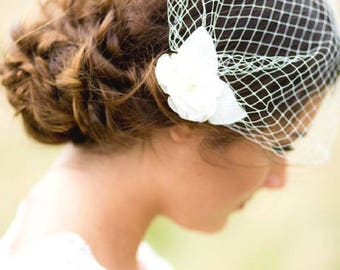 Silk flower bandeau birdcage veil || SIMONE