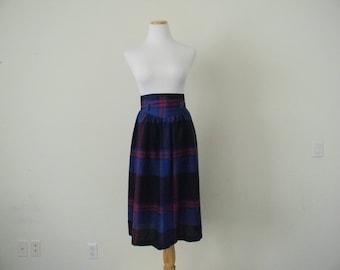 FREE usa SHIPPING Vintage plaid midi skirt/ cotton skirt made in the USA