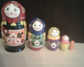 Russian matryoshka nesting dolls 5 pcs Sergiev Posad authentic handmade