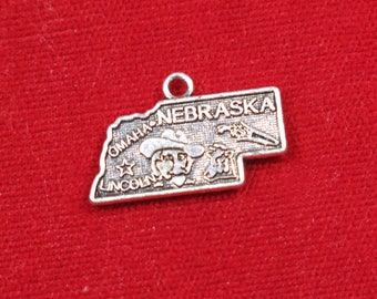 """10pc """"Nebraska"""" charms in antique silver style (BC1230)"""