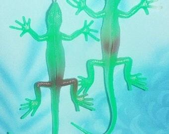 Set of Two ~ Glow-in-the-Dark Lizard Green/Purple - Ceiling Fan Pulls