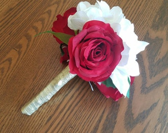 White and red wedding bouquet, Christmas  bouquet, red rose bouquet, white bouquet, Hydrangea bouquet, elegant wedding bouquet, classic