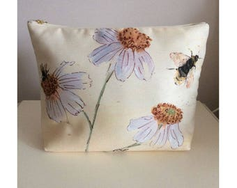 Claire Louise Printed Wash Bag Botanical Daisy Design