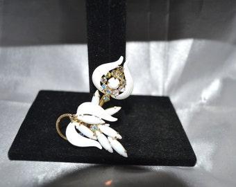Vintage Ribbed Enamel White Milk Glass Leaves Rhinestone Brooch