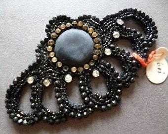 french  application rhinestones and sequins vintage aplicación de pedreria negra