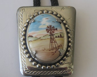 Handcrafted Silver Toned Windmill Farm Ranch Renewable Energy Bolo Tie IC Lot V