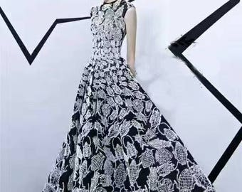 """1 Yard High Quality Venice Lace Fabric Black Tulle White Beetle Embroidered Wedding Bridal 53"""" width"""