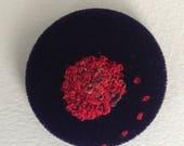 Embroidered knot brooch -...