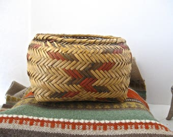 Old Choctaw Indian Basket / Indian River Cane Basket with Natural Dyes
