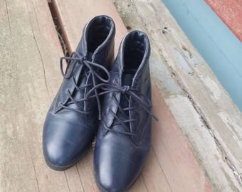Vintage 80s Navy Leather Ankle Boots Lace Up Women Size 6