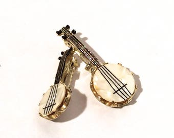 Vintage 1980s Dueling Banjos Set of 2 Enamel/Mother of Peal Pin Brooches/Collectible and Country Chic