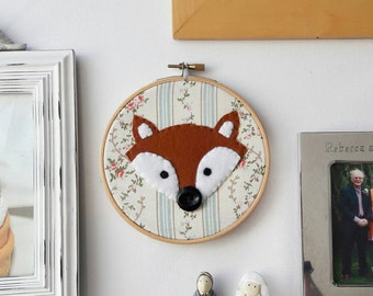 Floral kitsch Felt fox embroidery hoop wall art - hand sewn - handmade - woodland nursery art - cath kidson style - MADE TO ORDER - 5 inch