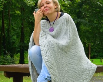 Sale, 30% off Chunky Poncho, Plus Size Poncho,  Over Size Poncho, knitted Cowl, Oversized Poncho Gray, knitted Poncho, Poncho for Women